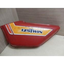 CACHE LATERAL GAUCHE 125 TWIN